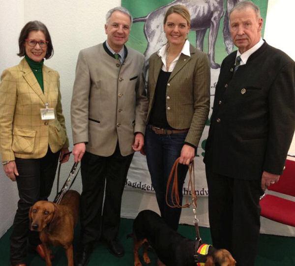 """Besuch auf der """"Jagd & Hund"""" in Dortmund zusammen mit Rainer Deppe MdL. Unter anderem gute Gespräche beim Jagdgebrauchshundeverband."""
