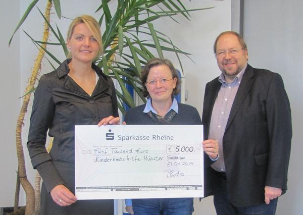 Spendenübergabe der Eheleute Pludra für die Kinderkrebshilfe Münster
