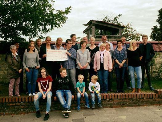 """Herzlichen Dank an die Nachbarschaft """"Am Findling"""" in Laer für die tolle Spende an die Kinderkrebshilfe Münster."""