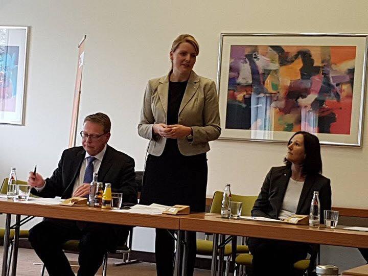 Veranstaltung mit den Landtagskandidaten Marc Blondin und Britta Oellers in Krefeld