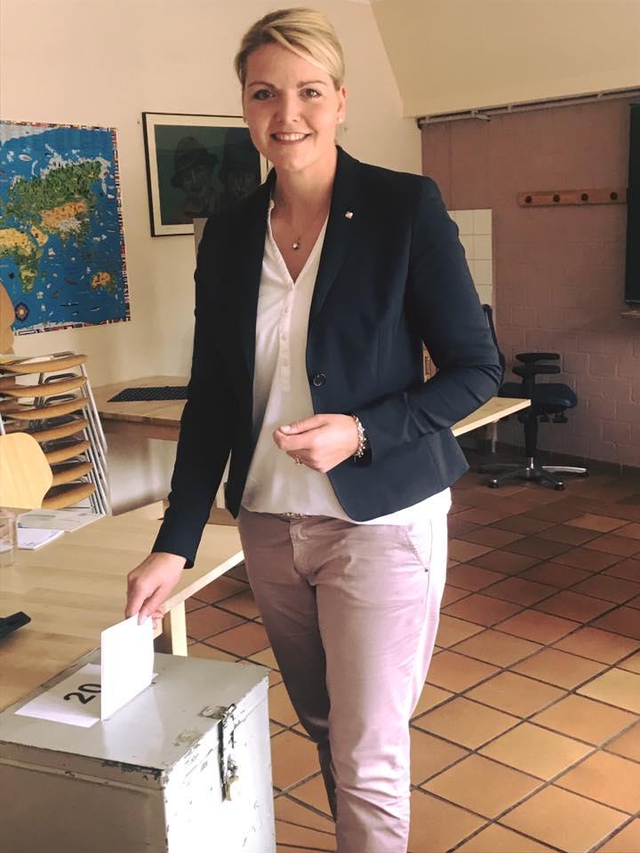 Stimmabgabe im Wahllokal