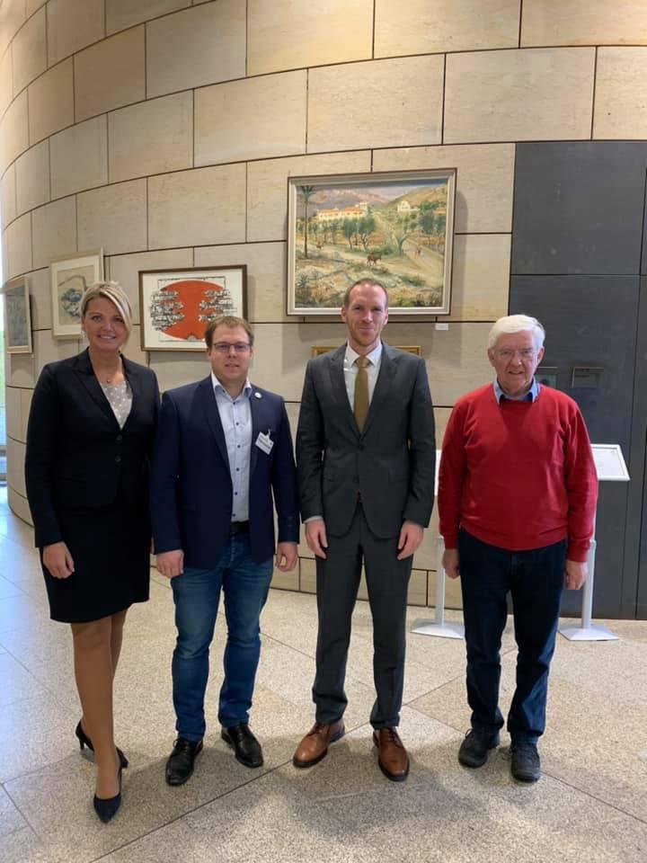 Gespräch mit Staatssekretär Jan Heinisch und Schützenbrüdern aus der Heimat