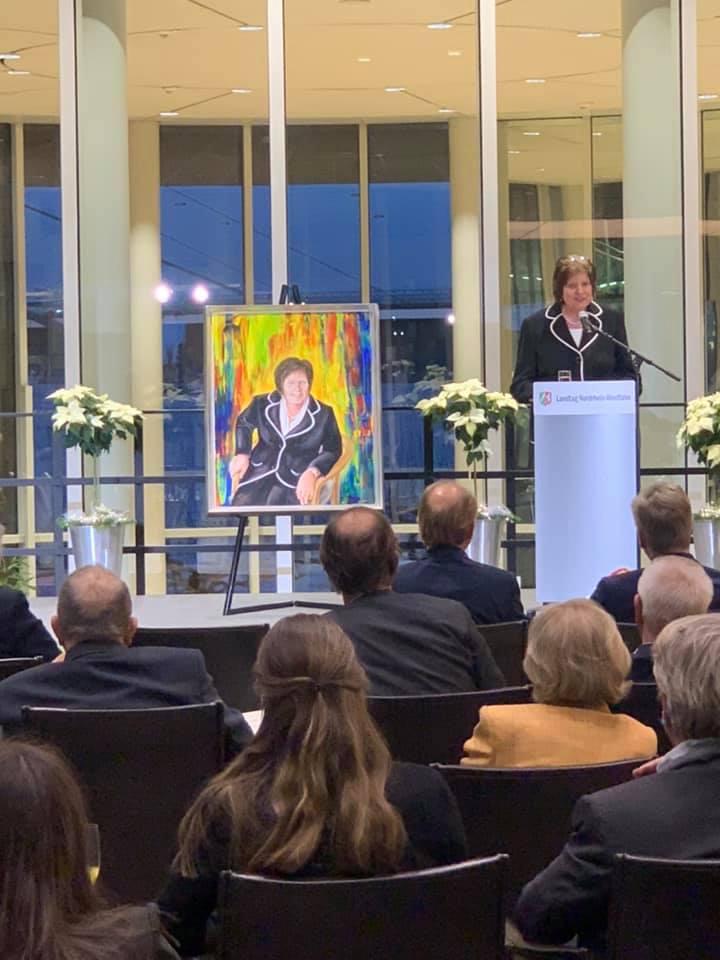Feierstunde zur Präsentation des Porträts von Regina van Dinther